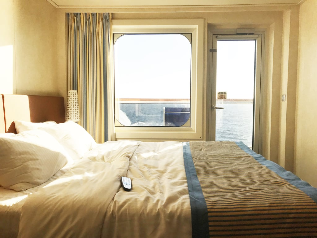 Book A Cabin In The Middle Of The Ship To Avoid Seasickness - Where to stay on a cruise ship to avoid seasickness