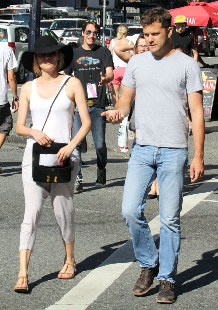 Diane Kruger carried a black bag.