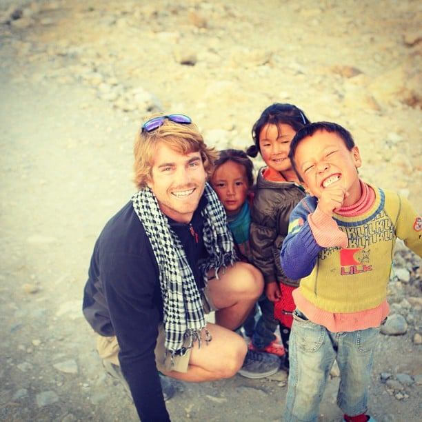 Hayden Quinn met some cute locals in India. Source: Instagram user hayden_quinn
