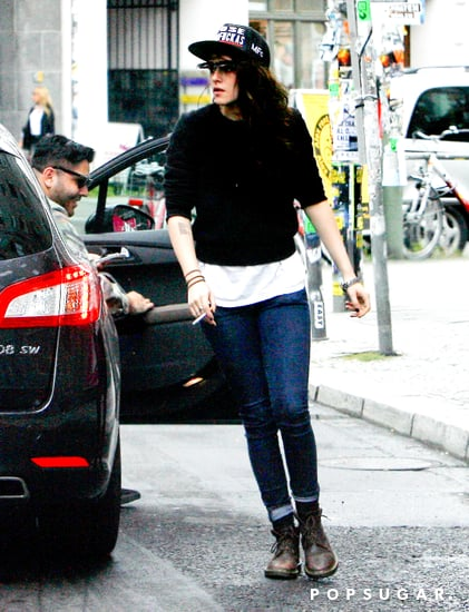 Kristen-Stewart-wore-jeans-sweater-Berlin