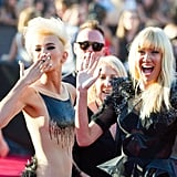 The Nervo twins were excited to be on the red carpet of the VMAs. We particularly liked Miriam's dazzling 3D nail art.