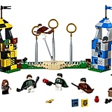 The full set with all its minifigures and accessories.
