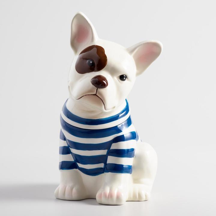 جرّة من السيراميك على شكل كلب البولدوغ الفرنسيّ لحفظ كعك الكوكيز (بسعر 15$ دولار أمريكي؛ 56 درهم إماراتيّ/ريال سعوديّ)
