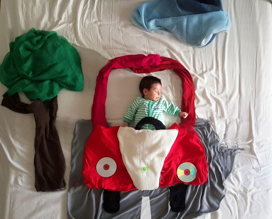 Creative Newborn Photos Using Blankets
