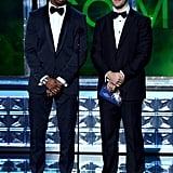 Presenters Damon Wayans Jr. and James Van Der Beek shared NFL Sunday scores on stage.