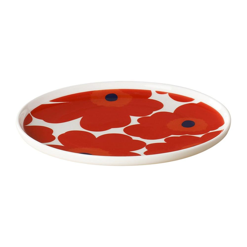 The print on Marimekko's Unikko Salad Plate ($30) is gorgeous yet playful.