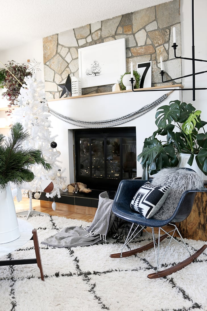 Modern black and white decor fashion forward holiday for Sia home fashion christmas decorations