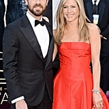 Jennifer Aniston and Justin Theroux on the red carpet at the Oscars 2013.