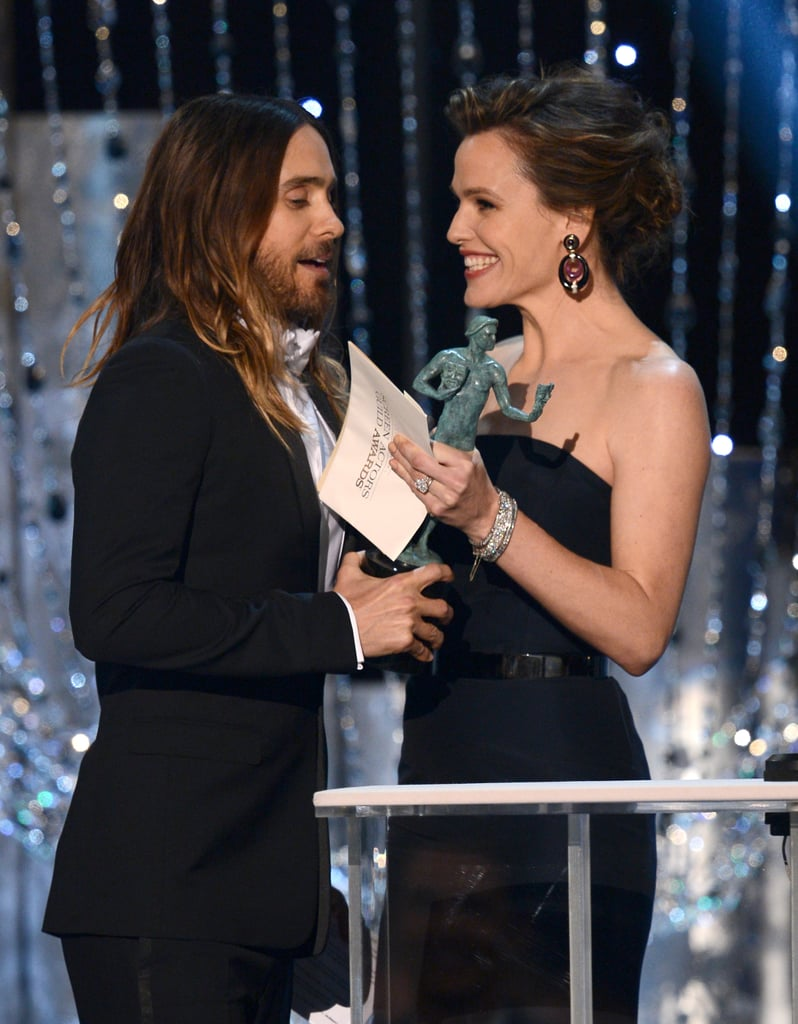 Jennifer Garner was all smiles while honoring Jared with a SAG Award on stage.