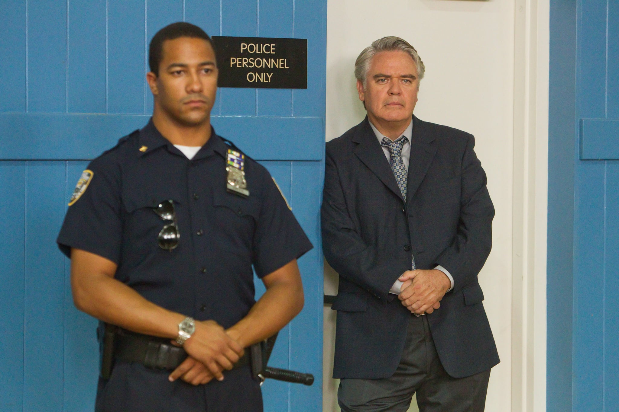WEEDS, Michael Harney (right), , 'Do Her/Don't Do Her', (Season 7, ep. 713, aired Sept. 26, 2011), 2005-. photo: Jordin Althaus /  Showtime / Courtesy Everett Collection