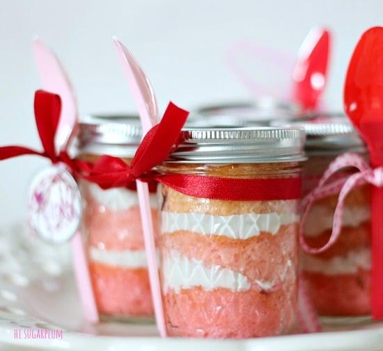 valentines day cake in