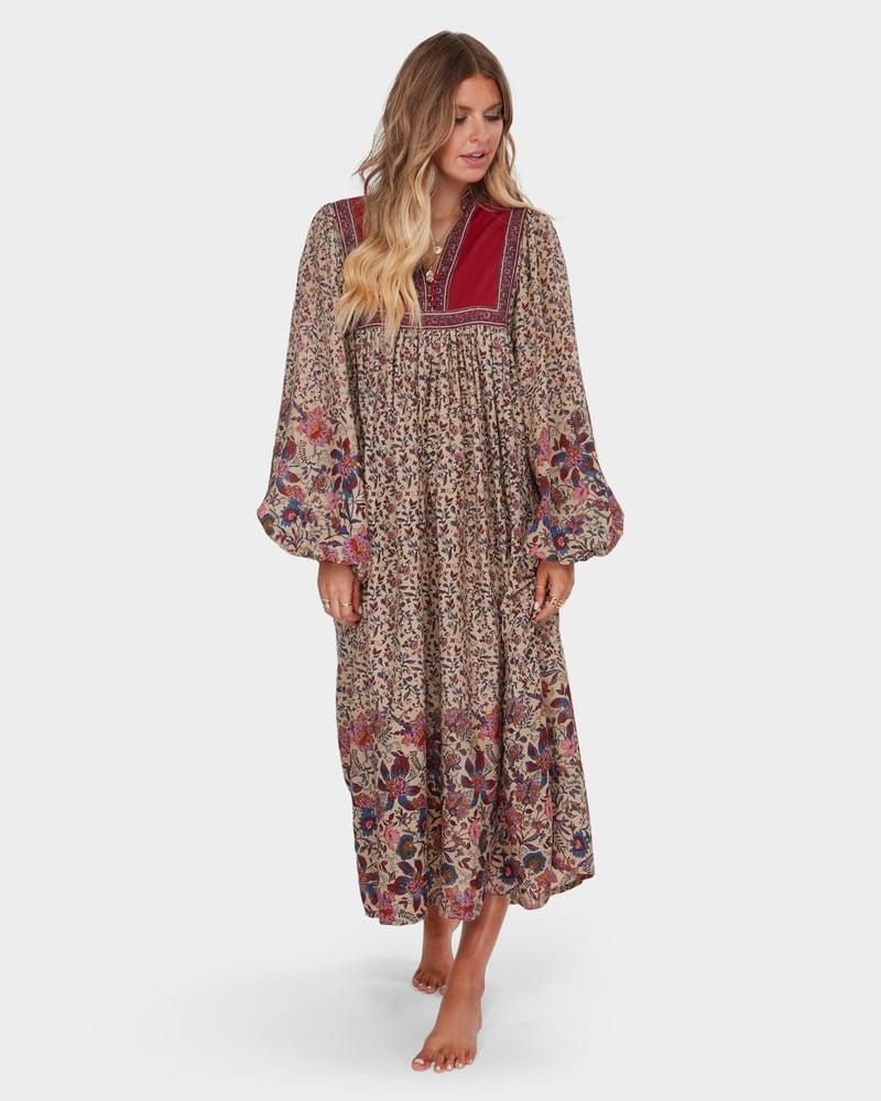 Shop the Collection:   Elle Ferguson X Billabong Fashion ...