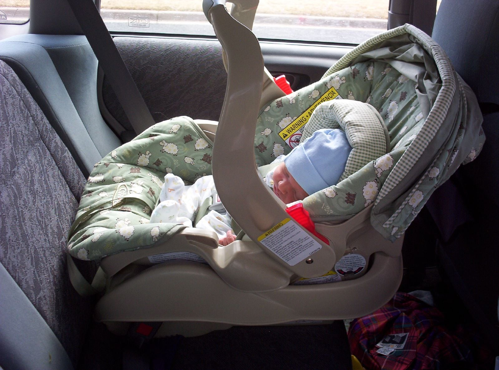 Is a Rear-Facing Car Seat Safe if You\'re Hit From Behind? | POPSUGAR ...