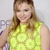 Chloë Moretz wore a neon dress to the People's Choice Awards.