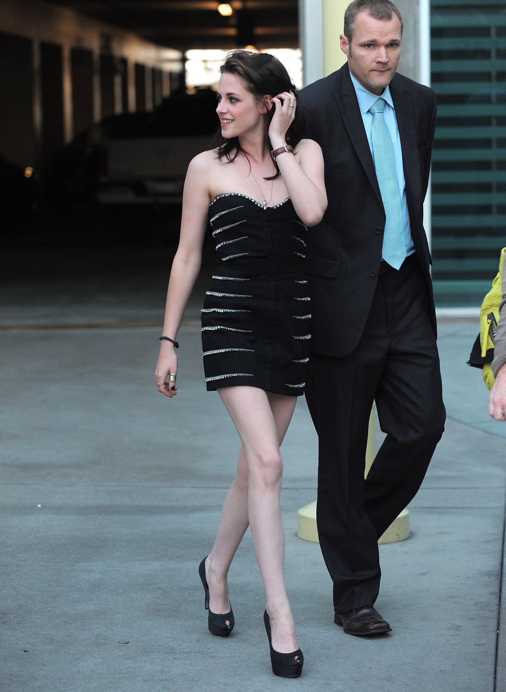 pictures of kristen stewart arriving at the love ranch