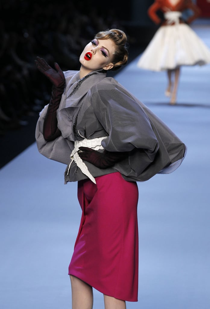 Populaire Photos of Christian Dior Spring 2011 Haute Couture | POPSUGAR Fashion HZ87