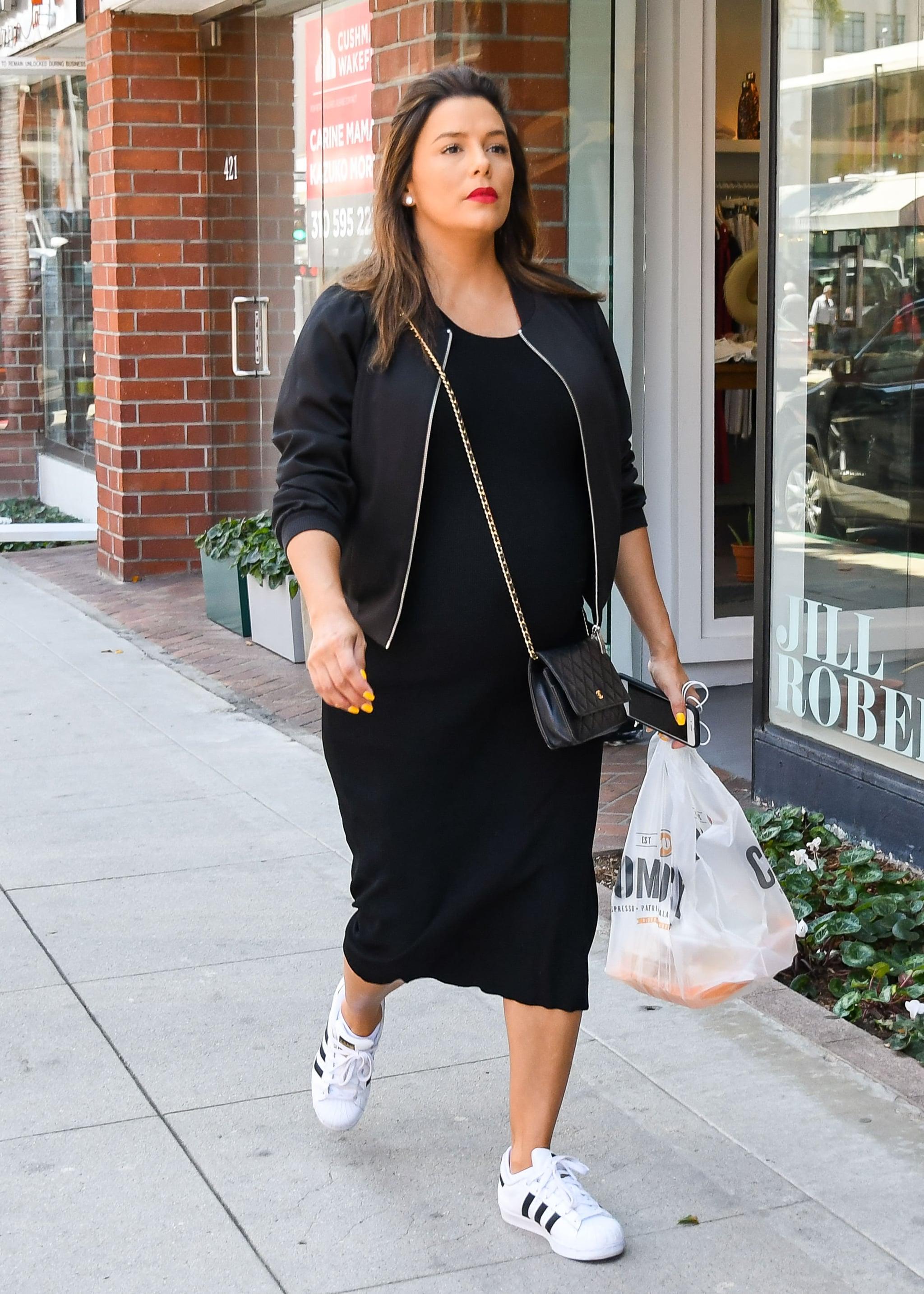 Adoración compromiso Ondas  Celebrities Wearing Adidas Sneakers | POPSUGAR Fashion