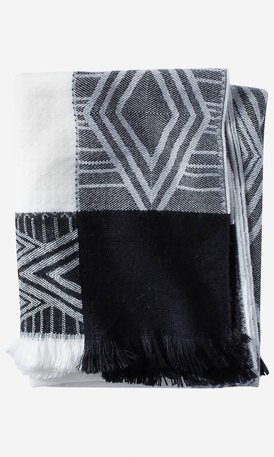 Diamond Border Blanket Scarf