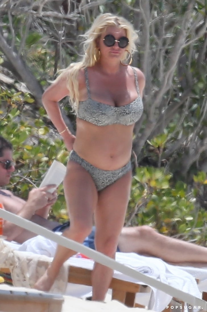 Jessica Simpson and Eric Johnson in the Bahamas April 2018 ...