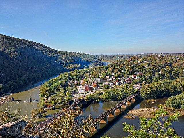 West Virginia: Maryland Heights Trail