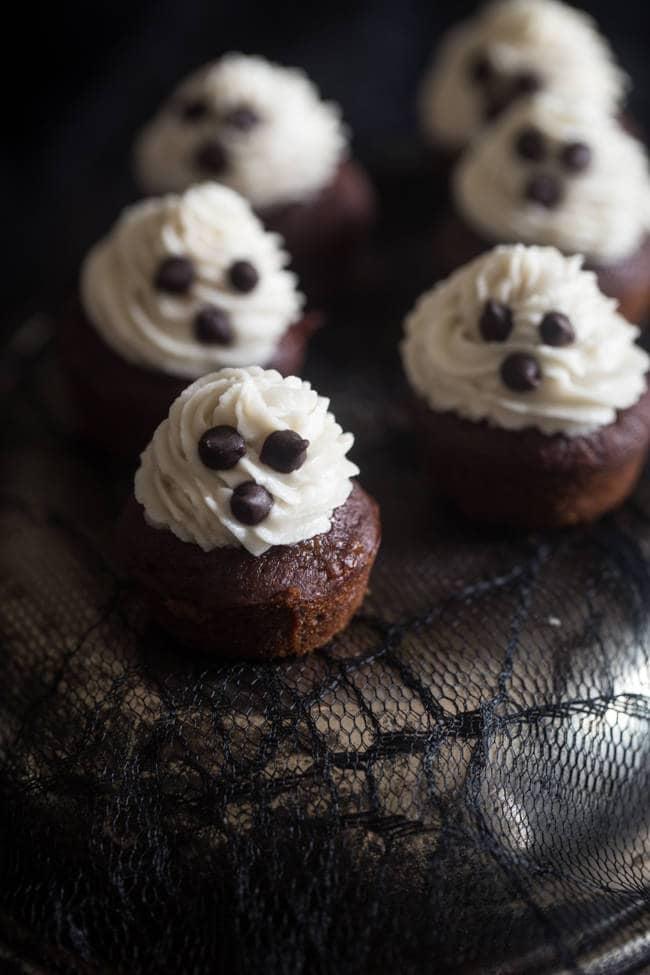 Spooky Mini Banana Cupcakes With Chocolate