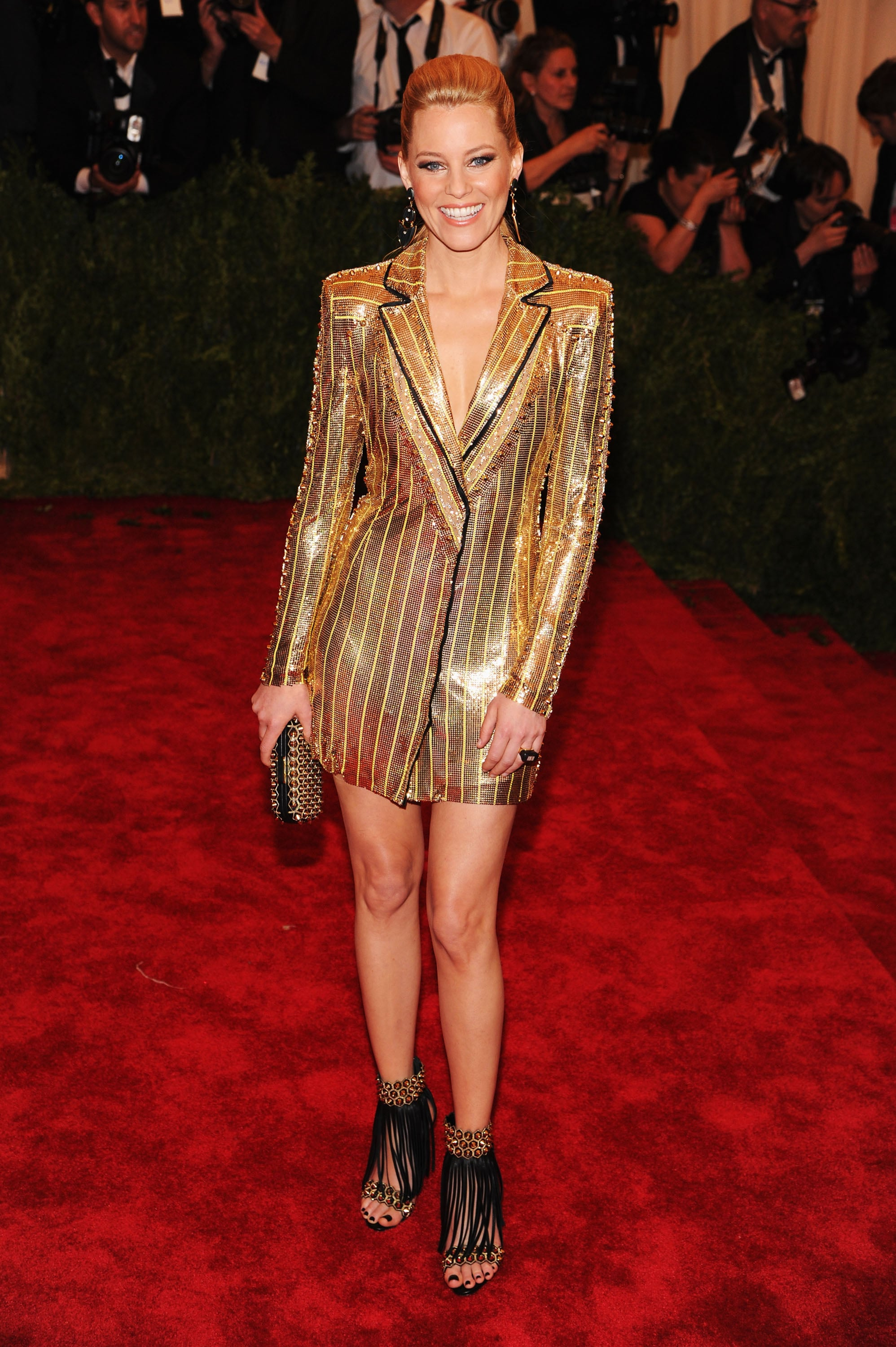 Elizabeth Banks in Versace at the Met Gala