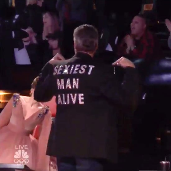 "Blake Shelton Wears ""Sexiest Man Alive"" Jacket on The Voice"