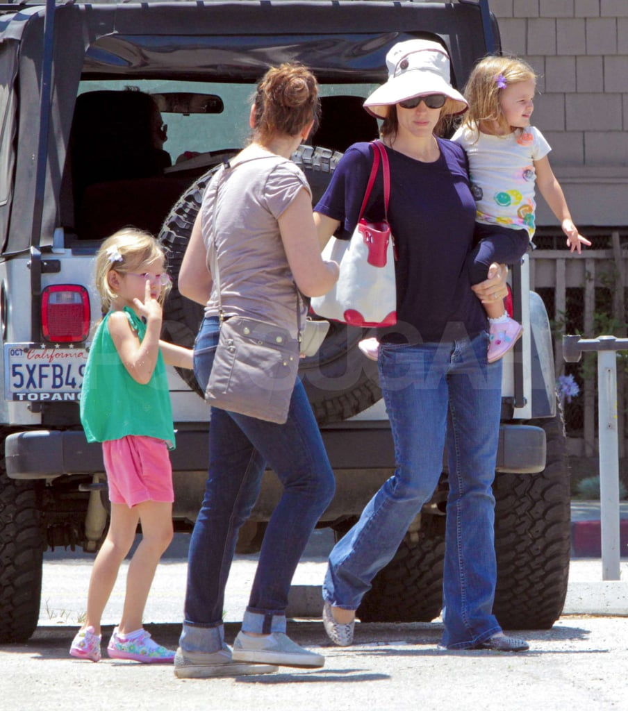 Violet, Seraphina, and Jennifer Garner headed into Books and Cookies.