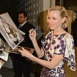 Naomi Watts signed autographs.