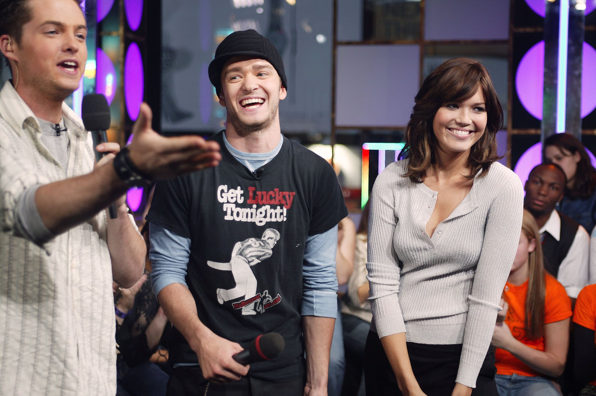 NEW YORK -OCTOBER 21: (U.S. TABS OUT) Justin Timberlake and Mandy Moore appear on stage with MTV VJ Damien Fahey during MTV's Total Request Live at the MTV Times Square Studios October 21, 2003 in New York City. (Photo by Scott Gries/Getty Images)