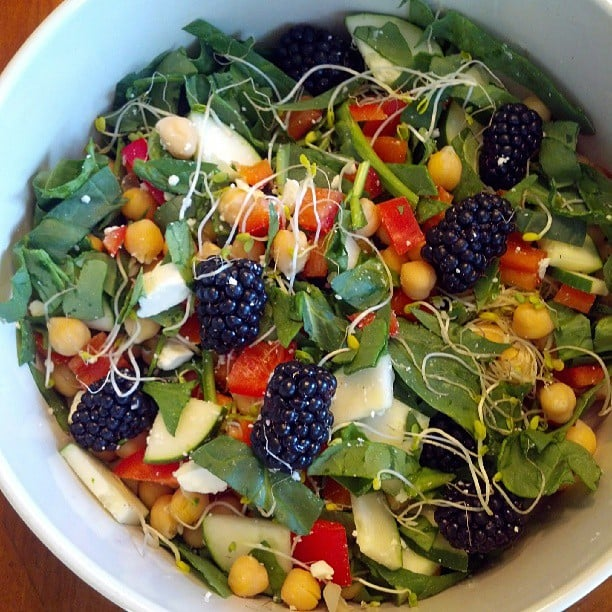 Having berries in a salad is one of our favorite things about Summer! Source: Instagram user lorihost
