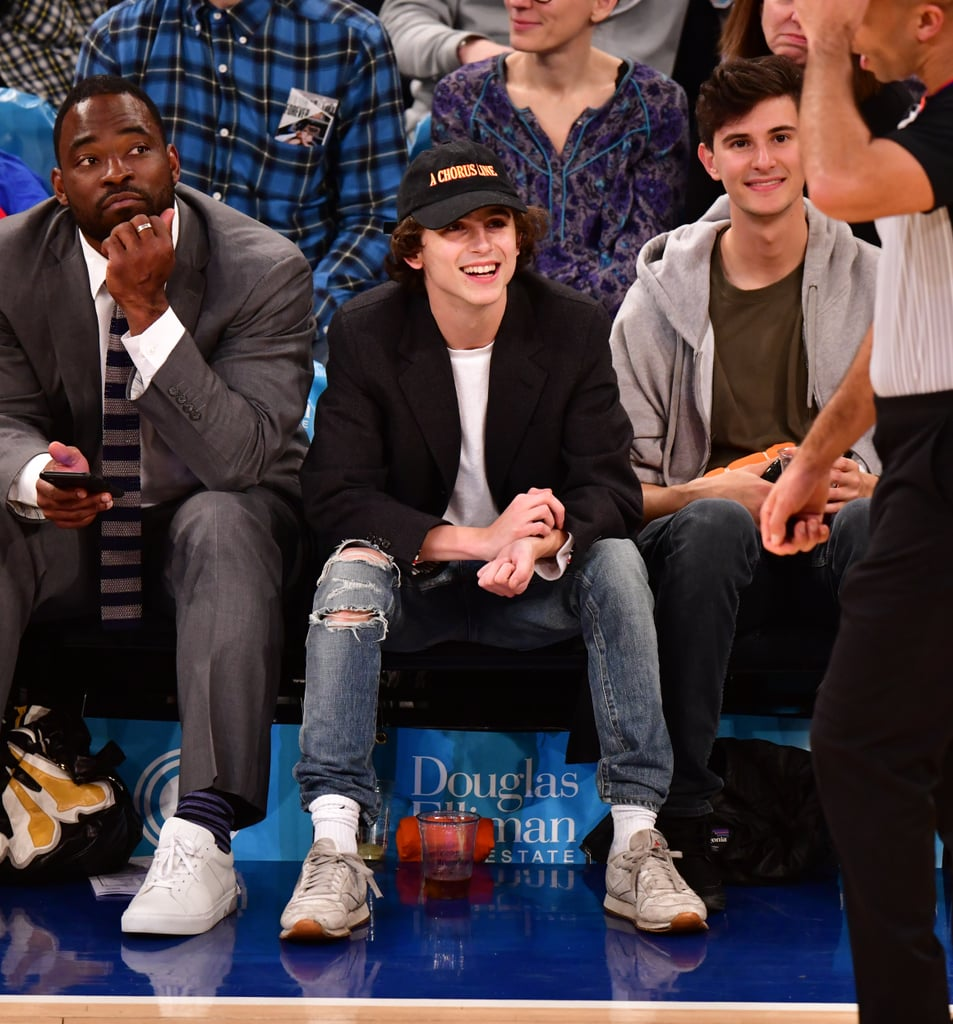 What do you wear to Knicks game? A blazer and ripped jeans, of course!