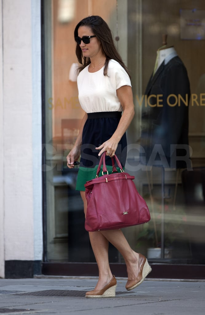Pippa Middleton wore Zara again this morning while visiting the Sloane Tailors in London. It's the end of another week of fashionable looks for Kate Middleton's little sister as she runs errands and goes to work near home in England. Pippa can now look forward to another weekend with family and friends. She spent last Sunday watching her boyfriend Alex Loudon play cricket with former classmates. Pippa's also known for her love of a quick getaway, having taken multiple weekend jaunts to France and Spain during the last few months.