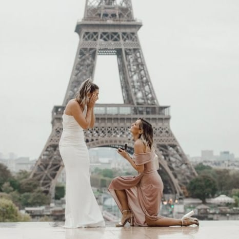 22 Beautiful Photos of Women Proposing