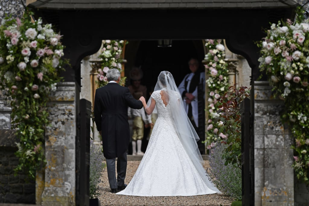 Pippa middleton 39 s wedding dress popsugar fashion australia for Pippa middleton wedding dress