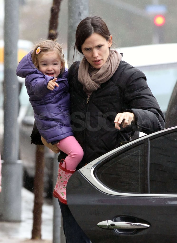 Pictures of Jennifer Garner, Violet and Seraphina Affleck Leaving a Bowling Alley in LA