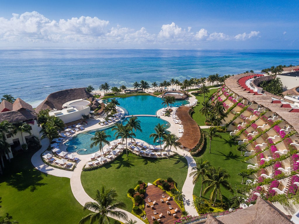 The Mexican Resort From Love Is Blind Now Has a LIB Package