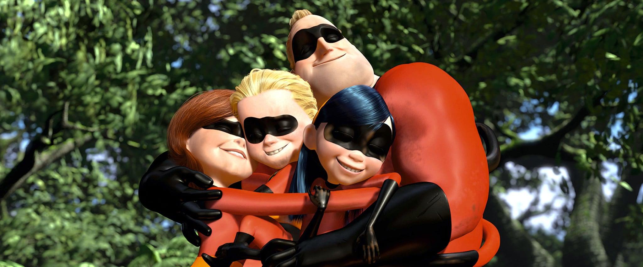THE INCREDIBLES, Elastigirl, Dash, Mr. Incredible, Violet, 2004, (c) Walt Disney/courtesy Everett Collection