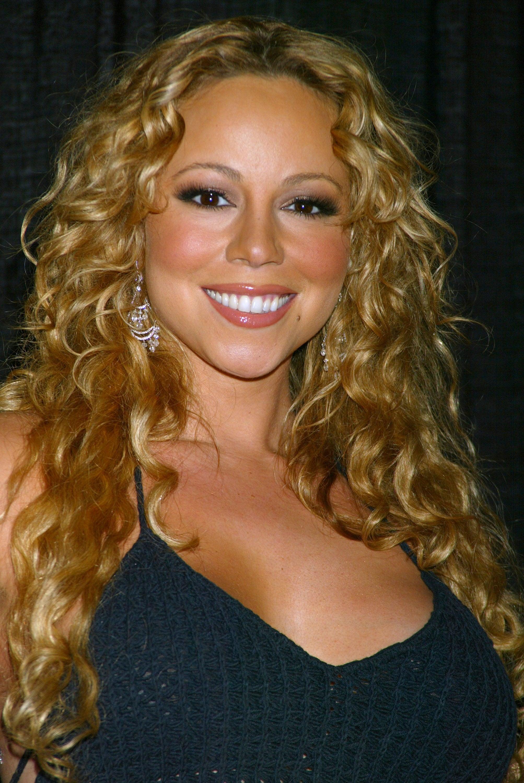 Mariah-Carey-in-2003.jpg