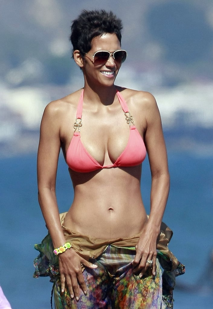 Halle Berry Bikini Arm Workout Popsugar Fitness
