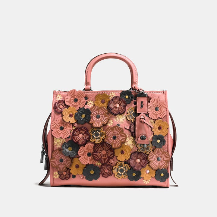 VIDA Tote Bag - the rose and the rogue by VIDA TPeelY