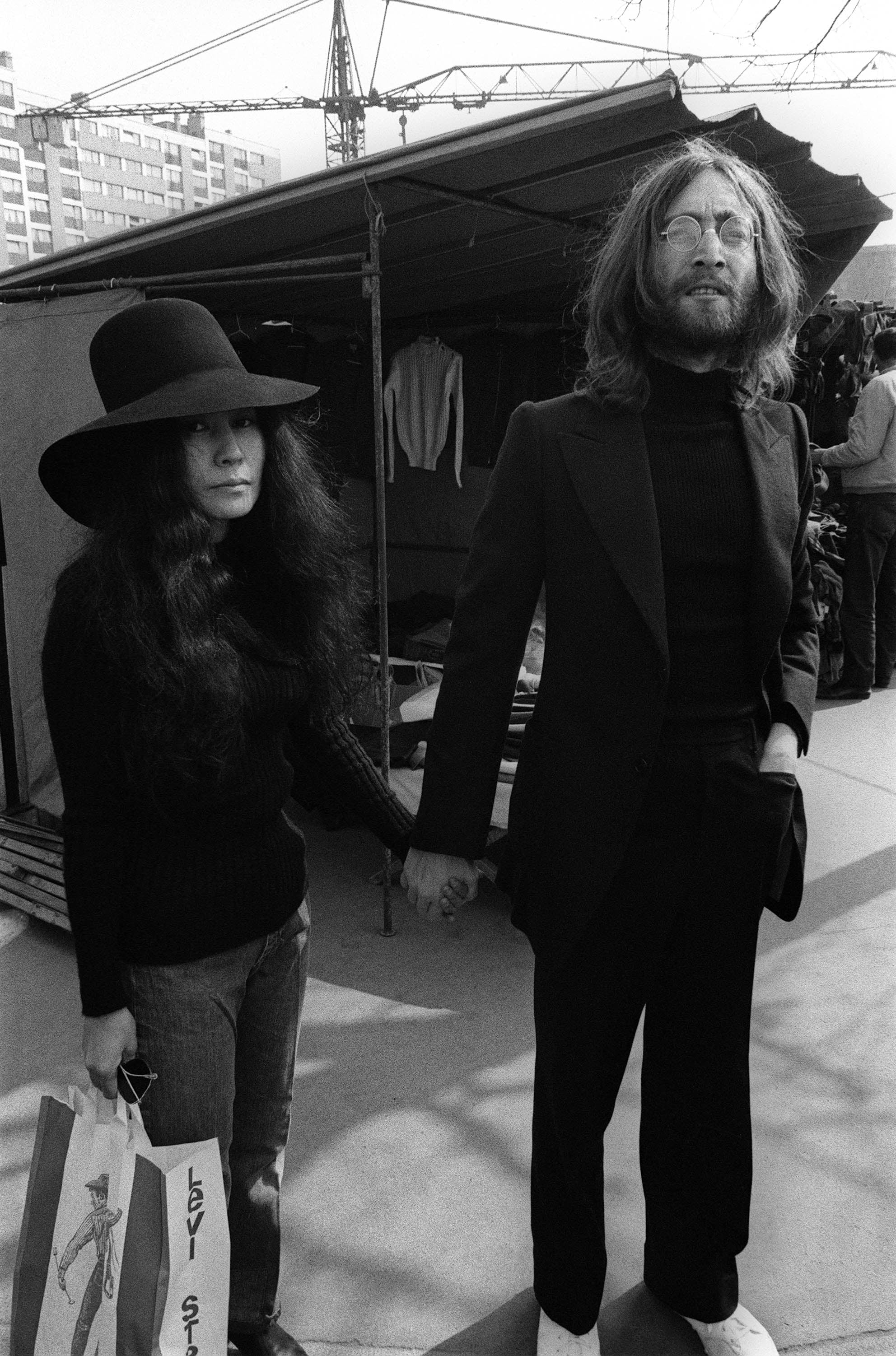 john lennon and yoko ono the most stylish music couples of all time popsugar fashion. Black Bedroom Furniture Sets. Home Design Ideas