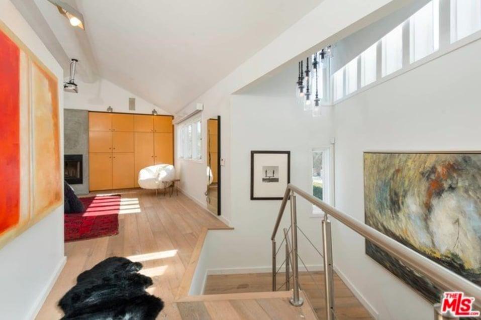 Billie Lourd Lists Santa Monica Home Popsugar Home Photo 12