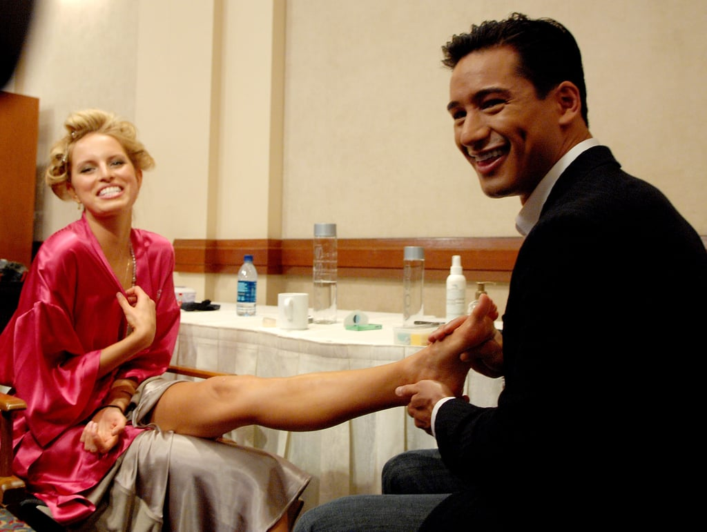 Mario Lopez gave Karolina Kurkova a foot rub backstage in 2007.