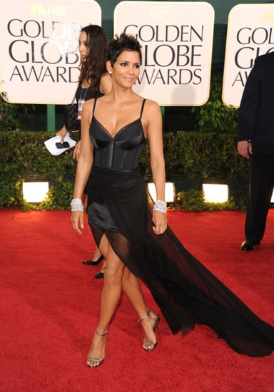 Pictures of Halle Berry Arriving in Nina Ricci at the 2011 Golden Globe Awards