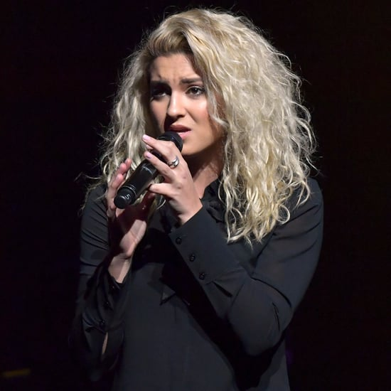 "Tori Kelly Sings ""Hallelujah"" on Seth Meyers"