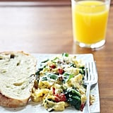 Scrambled Eggs With Spinach and Bell Peppers