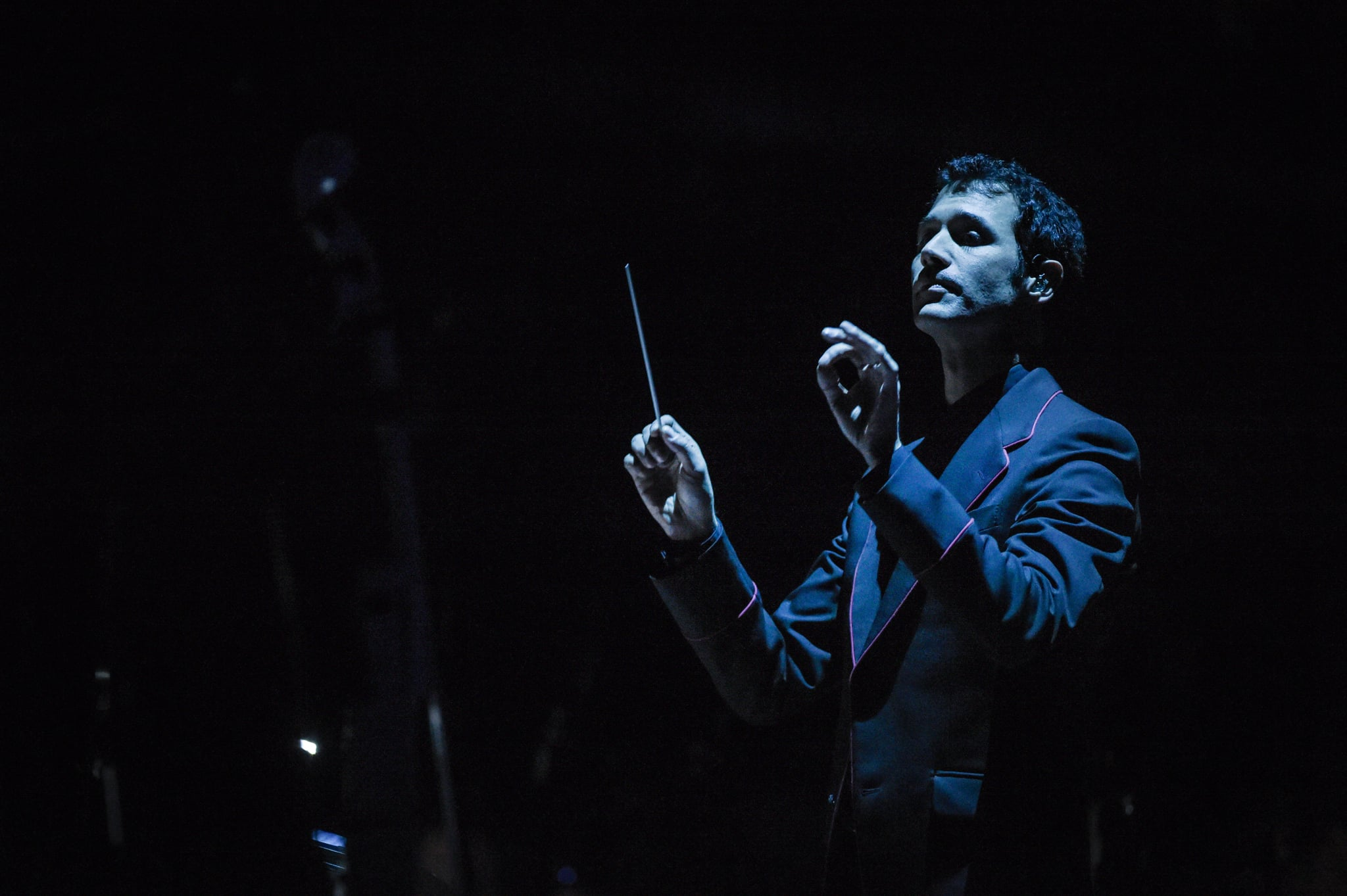 NEW YORK, NY - MARCH 07:  Composer Ramin Djawadi performs at the
