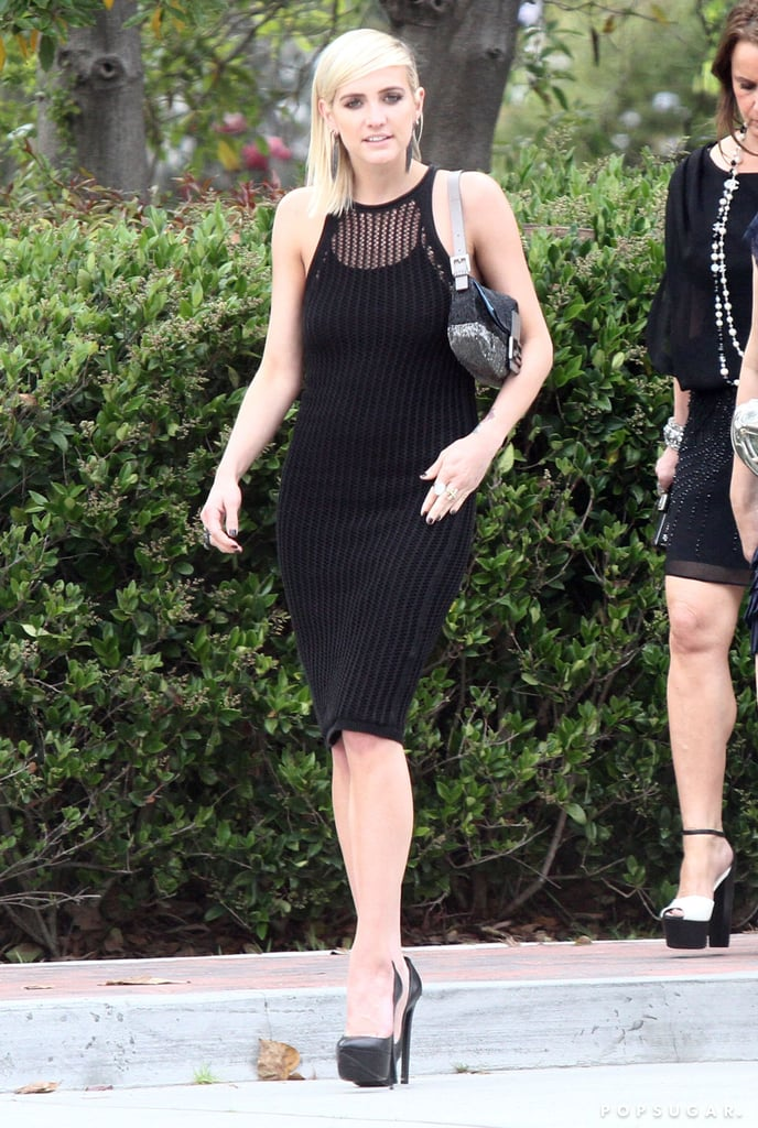 Ashlee Simpson wore a black dress.