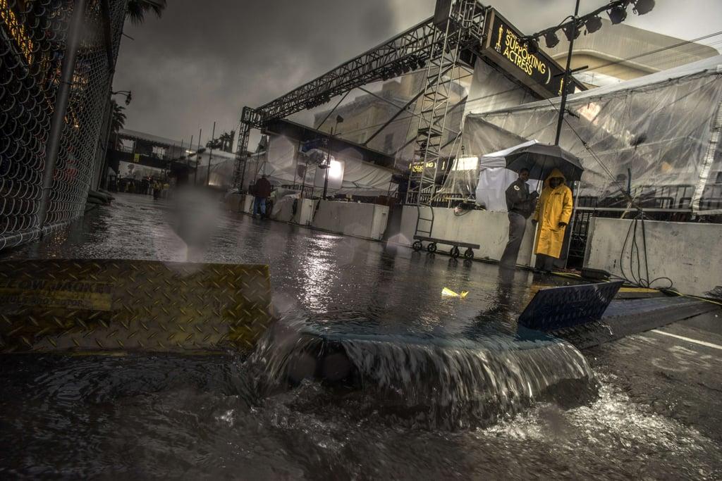 Oscars Rain and Weather Forecast | Red Carpet Photos